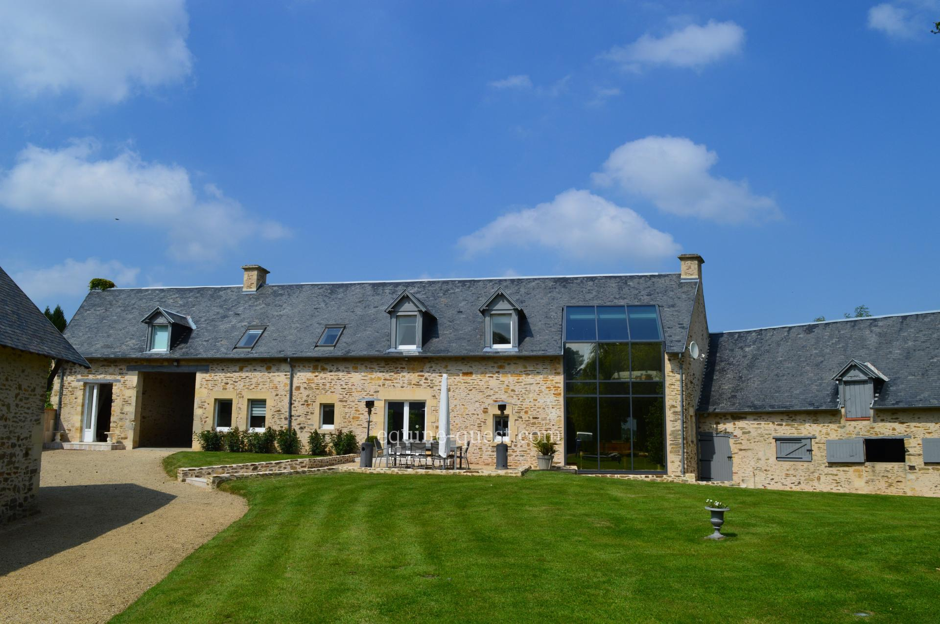 Normandy – Caen area – Standing equestrian property