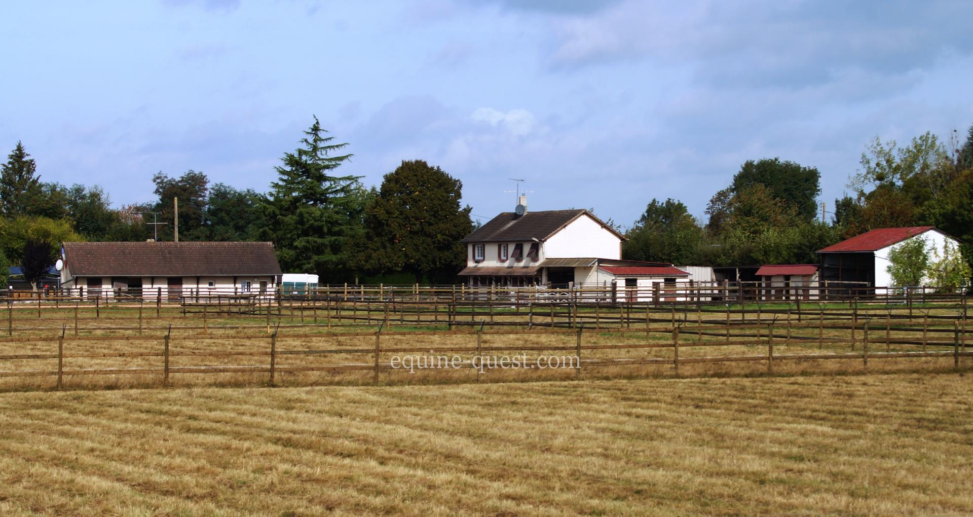 Normandie – Secteur Lisieux- Propriété équestre : écurie, centre équestre ou d'entraînement