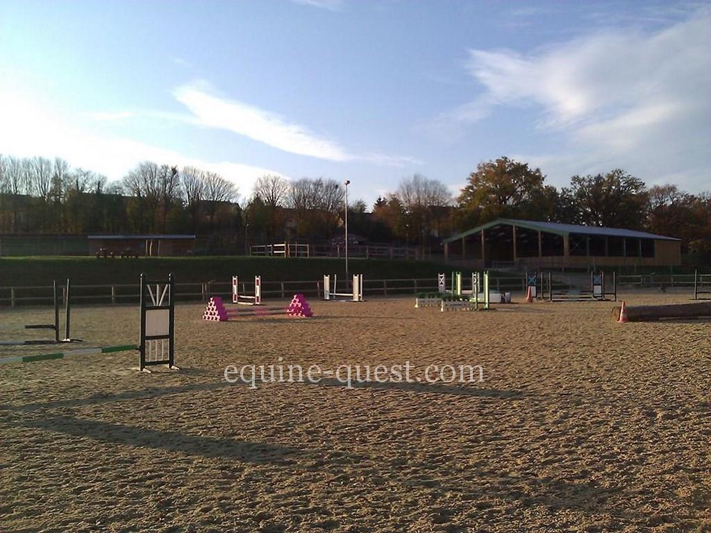 Pays de la Loire – Laval (Nord) – Pony club – Equestrian center: quality facilities