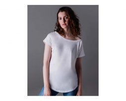 camiseta holgada blanca manga corta mujer