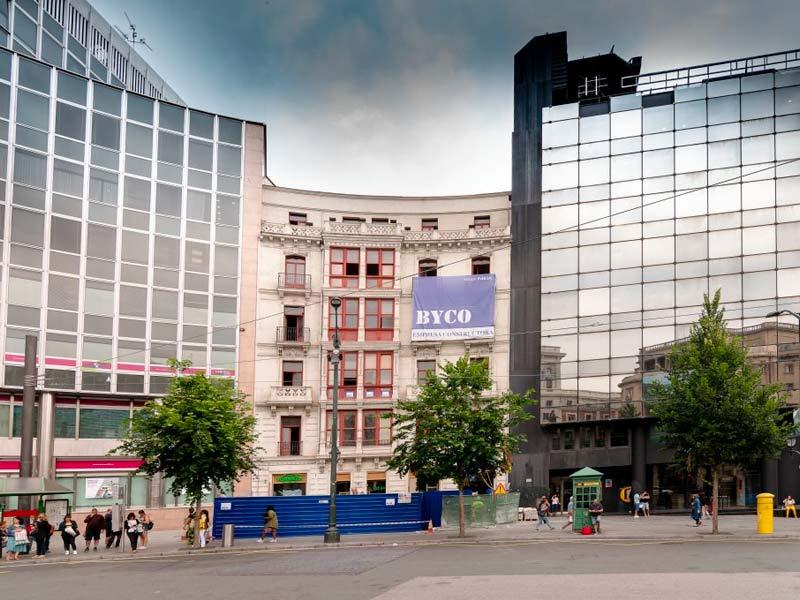 BYCO inicia la demolición interior del edificio Plaza Circular 3 de Bilbao para Smart Host Spain