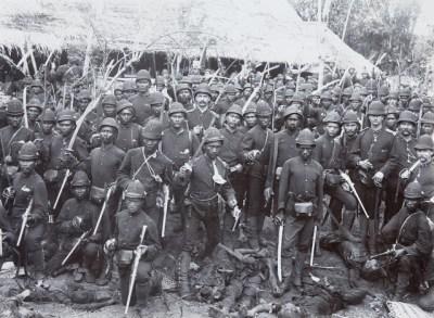 14 soldaten van het KNIL Atjeh oorlog Sumatra Ned.Indië