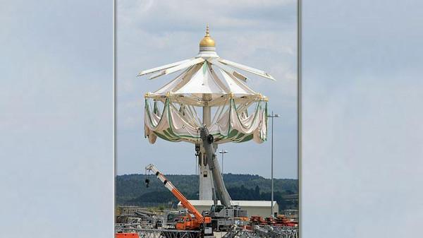 2016-pemasangan-payung-raksasa