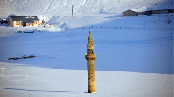 menara-masjid-bash-shawish-utama