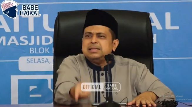 Tuding Virus Corona Sengaja Dibuat, Babe Haikal: Saya Oposisi, Setuju Jokowi Mundur