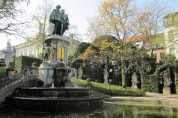 Visita a Bruselas - di 20100418 031640 brussels lepetitsablon egmonthornes 300x200 - Visita a Bruselas