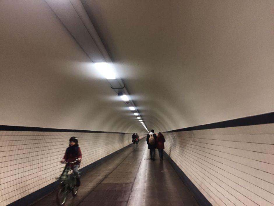Imagen del túnel de Santa Anna que cruza el río Escalda