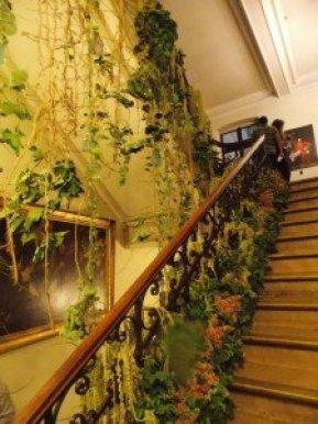 escalera-ayuntamiento-Bruselas Flowertime Brussels: las flores inundan la Grand Place - DSCN6532 225x300 - Flowertime Brussels: las flores inundan la Grand Place