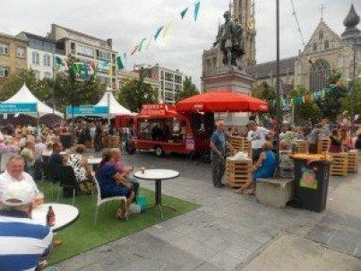 plaza-Verde-Amberes Bollekes Feest en Amberes: música, dulces y mucha cerveza de Koninck - DSCN6697 300x225 - Bollekes Feest en Amberes: música, dulces y mucha cerveza de Koninck