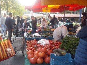 CAM02284  - CAM02284 300x225 - ¿Dónde hacer la compra semanal? El mercado Gare du Midi