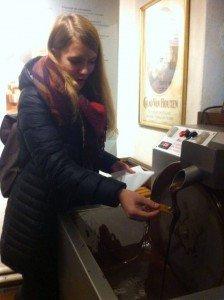 12335924_1000548206657682_326087374_n ¿Cómo se produce el delicioso chocolate belga? - 12335924 1000548206657682 326087374 n 224x300 - ¿Cómo se produce el delicioso chocolate belga?