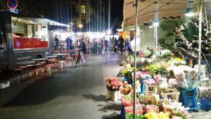 Mercadillos populares en la capital de Europa - Mercado de Van Meenen 300x169 - Mercadillos populares en la capital de Europa