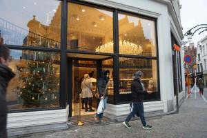 Pastelería Aux Merveilleux Pastelería Aux Merveilleux - 6 1 300x200 - Pastelería Aux Merveilleux