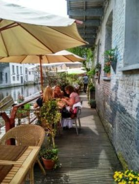 Terrazas de Gante (6) Top 5 las mejores terrazas de Gante - Terrazas de Gante 6 225x300 - Top 5 las mejores terrazas de Gante