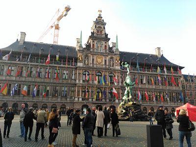 subir-stadhuis_opt  - subir stadhuis opt - Amberes en un día o cómo enamorarse rápidamente