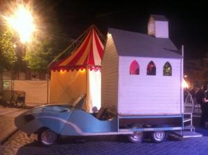 """Un circo un tanto… """"peculiar"""" - image 2 e1369217117511 300x224 - Un circo un tanto… """"peculiar"""""""