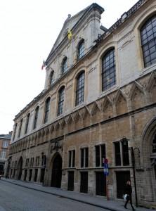 university hall  - university hall 222x300 - Erasmus: trámites, papeleo, burocracia… y algo más