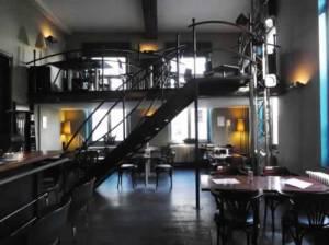 - casa rosa interior 300x224 - Ruta temática: Bares de ambiente en Gante