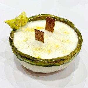 Candela in ceramica artigianale - uccellini gialli verdi - C'era in Terra | Erboristeria Erbainfusa Como | Shop Online