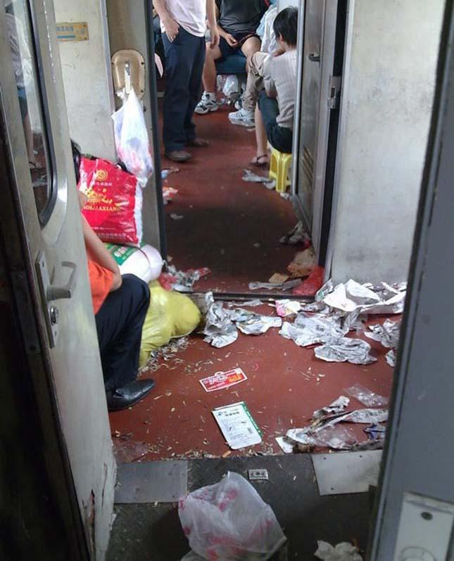 Szemét a Kínai vonatokon
