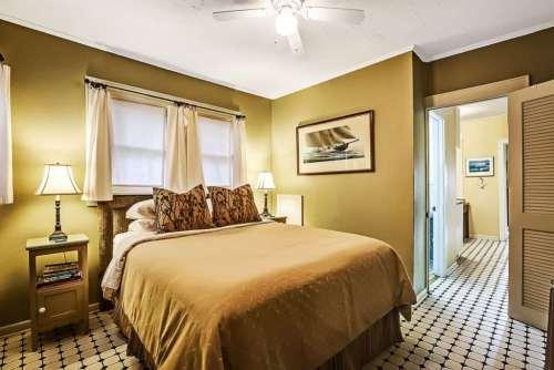 One Bedroom Tampa Cottage Rental