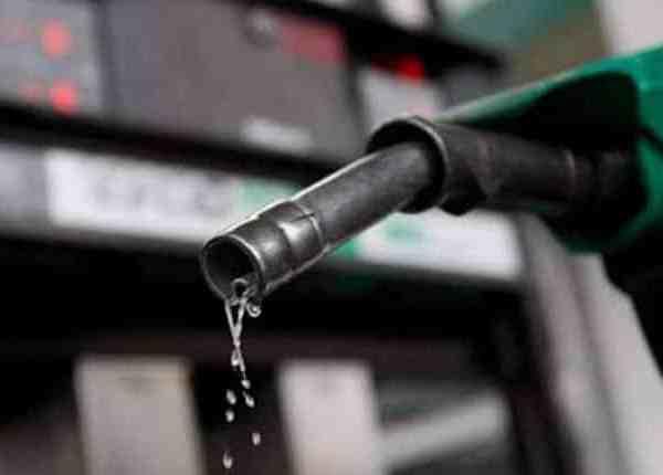 «Πράσινο τέλος» στην κατανάλωση πετρελαίου κίνησης 0,03 ευρώ ανά λίτρο