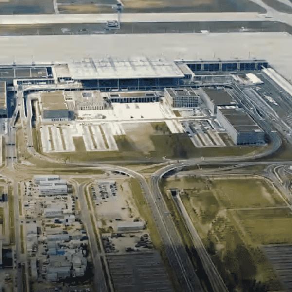 Ηλεκτροπληξία έπαθαν 60 εργαζόμενοι του αεροδρομίου του Βερολίνου!!!