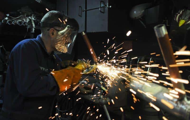 Εργασιακή ζούγκλα: Από το ξύλο στους χώρους εργασίας, στους μπράβους των ATM