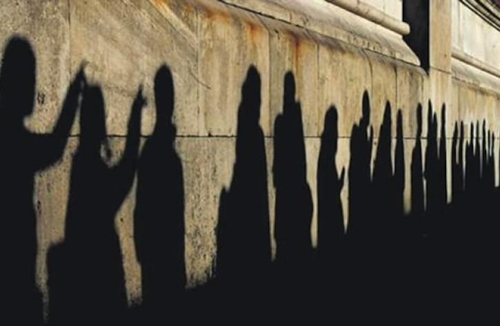 Ανεργία: Ανησυχητική αύξηση στους νέους 25-34 ετών