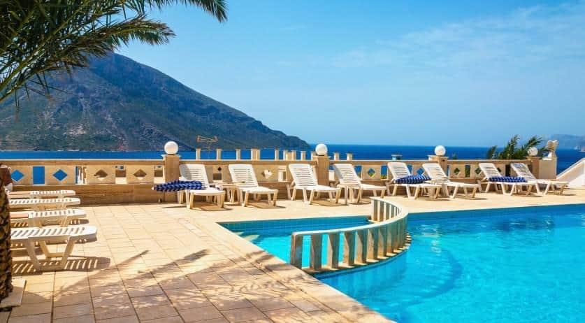 Πειραματόζωα θα γίνουν οι εργαζόμενοι ξενοδοχειακής μονάδας της Ρόδου