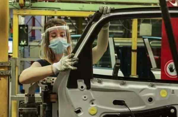 Η Ford ανακοινώνει 630 απολύσεις στο εργοστάσιό της στη Βαλένθια