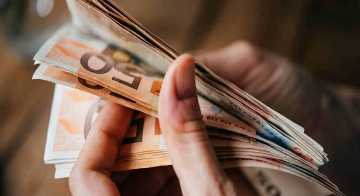 Πληρώνονται επιδόματα ΟΑΕΔ τη Μεγάλη Εβδομάδα