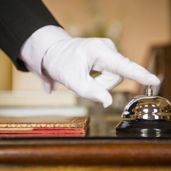 Αντιδράσεις για την απασχόληση ανηλίκων άνω των 16 σε ξενοδοχειακές επιχειρήσεις