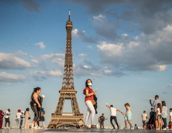 Μεγάλες αυξήσεις στον κατώτατο μισθό ετοιμάζουν Γαλλία και Ισπανία
