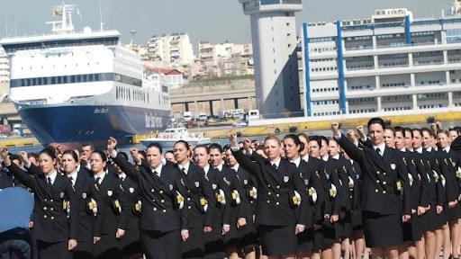 Αντισυνταγματικό το ελάχιστο ανάστημα 1,65 για συμμετοχή γυναικών σε διαγωνισμό Λιμενοφυλάκων