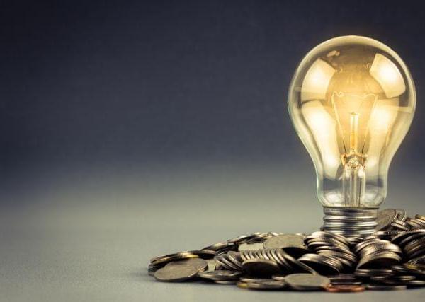 Ψαλίδι στις επιδοτήσεις ρεύματος με κριτήρια εισοδήματος θέλει η Ε.Ε.