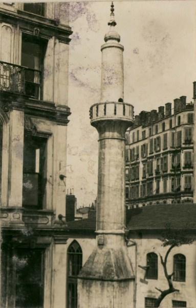 1938 yılı onarım öncesi çekilen fotoğrafta son cemaat penceresi görülmektedir (belge 2)