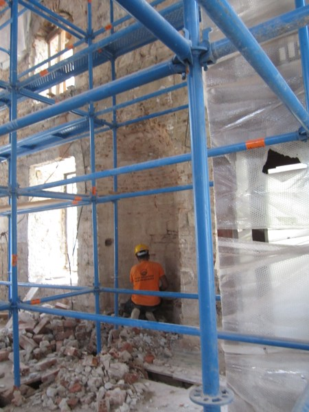 Restorasyon sırasında açığa çıkarılan özgün mihrap nişi foto-5