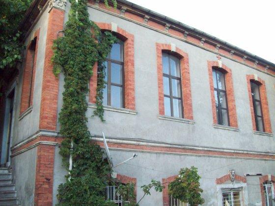 4-Aya Yorgi Kilisesi Edirnekapı Avlunun Doğusundaki Kullanılmayan Okul Binası
