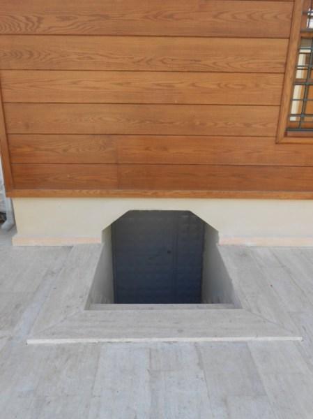 Kısmi bodrum kat zemin seviyesinin duvarların dokusunun stabil olduğu kota kadar indirilmiştir. Bodrum kat tavanını oluşturan ahşap döşeme elemenları yenilenmiştir.