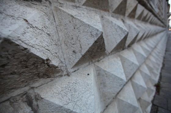 Palazzo dei Diamanti detaylar