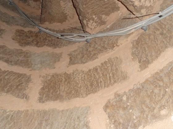 Minare iç duvarlarında da derzler alınmış ve tekrar derzleme yapılmıştır (fotoğraf 19)