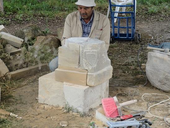 Sütun başlıklarında bulunan kayıplar taş tümleme ile tamamlanmıştır. (fotoğraf 24)