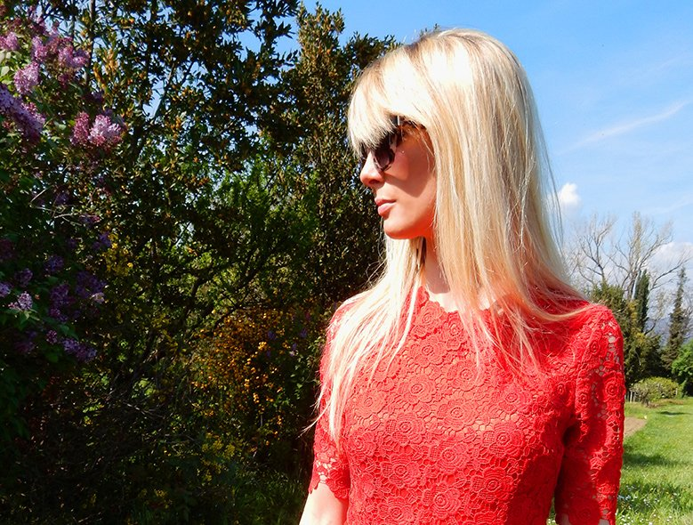 Lace dresses: how to wear and match them