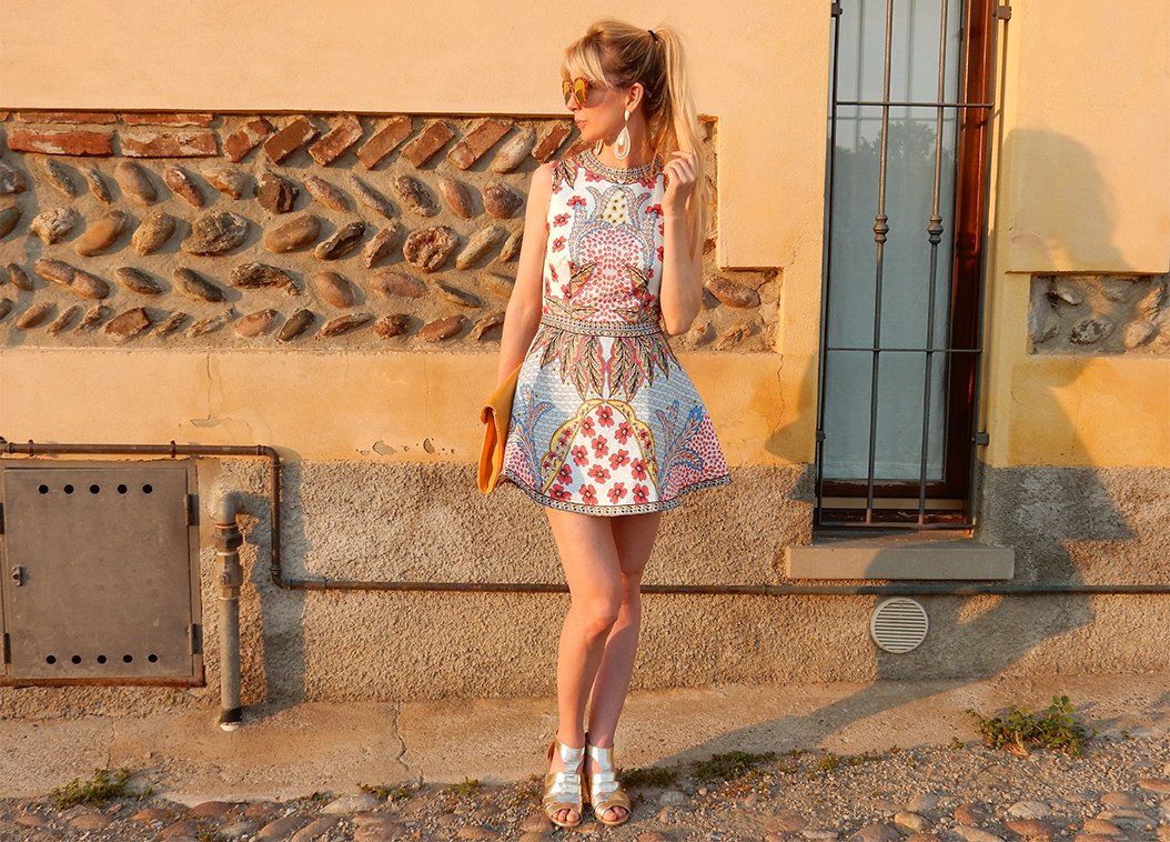 5 Tips for Wearing Bright Colors
