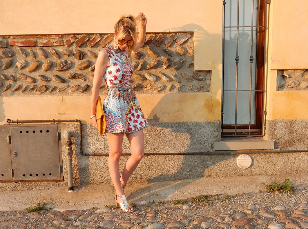 5 Tips on Wearing Bright Colors