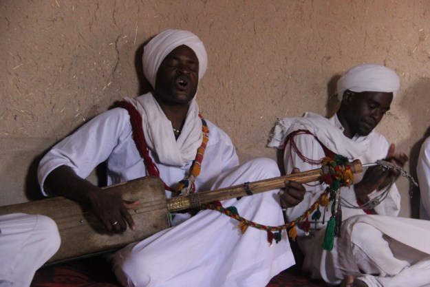 On our way out of Merzouga after camping, we stopped in a nearby village to attempt a performance of Gnawa music, which is a rich tradition that is also quite popular among foreigners. Although it developed in Morocco, it shares many traits with musical practices from West Africa, as it emerged among descendants of Sahelian peoples brought from Mali, Ghana, and Guinea as slaves around the 17th century.
