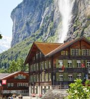 Lauterbrunnen Valley Walk