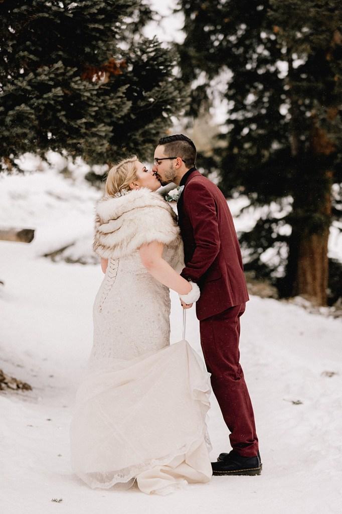 Bride stays warm in fur shawl
