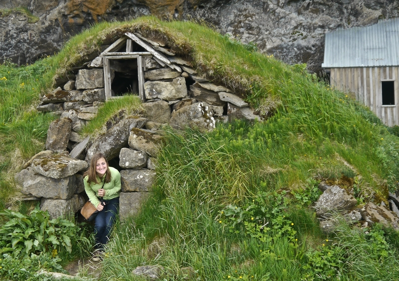 underground-hobbit-houses-icelands-southern-coast